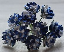 ROYAL BLUE WHITE ASTER Daisy (1.3 cm) Mulberry Paper Flowers